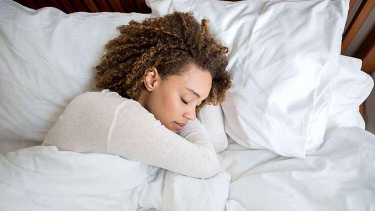 چرا بلافاصله بعد از یک اتفاق ناگوار نباید خوابید