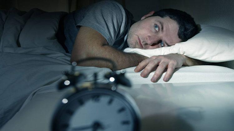 سوال و پاسخ ( کمبود چه ویتامینهایی باعث کمخوابی میشود؟)