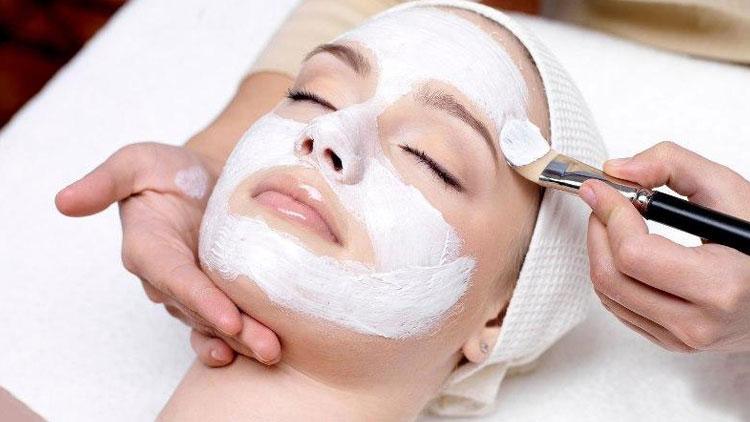 ماسکهای ساده و راحت برای پوستهای چرب