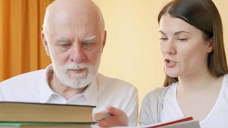 آیا یادگیری یک زبان خارجی از زوال عقل پیشگیری میکند؟