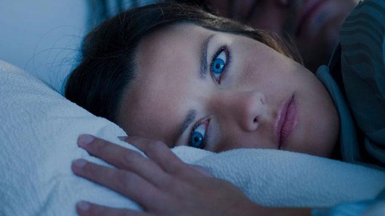 سوال و پاسخ ( علت سبکی خواب چیست؟)