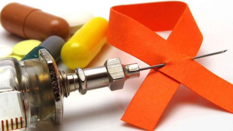 علائم اولیه ایدز و مراحل پیشرفت آن