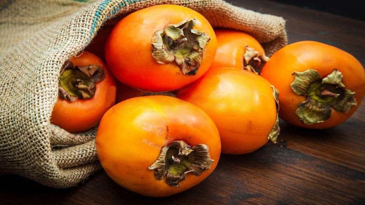 خرمالو: گنجینهای زیر پوست نارنجی
