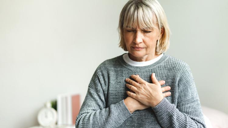 فعالیت مغزی ناشی از استرس با درد قفسه سینه ناشی از بیماری قلبی مرتبط است از دیدگاه مدرسه عالی پزشکی دانشگاه هاروارد