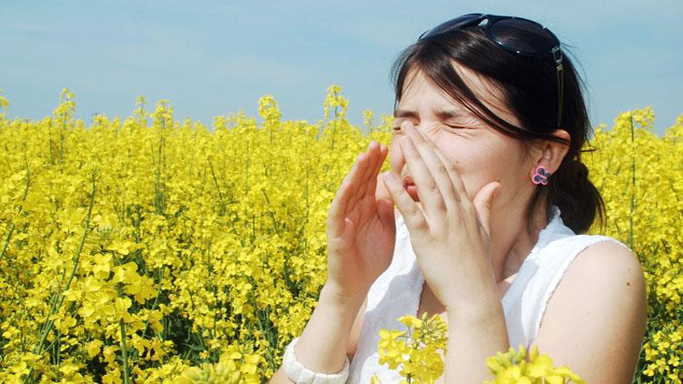چگونه آلرژیهای بهاری خود را کنترل کنیم؟
